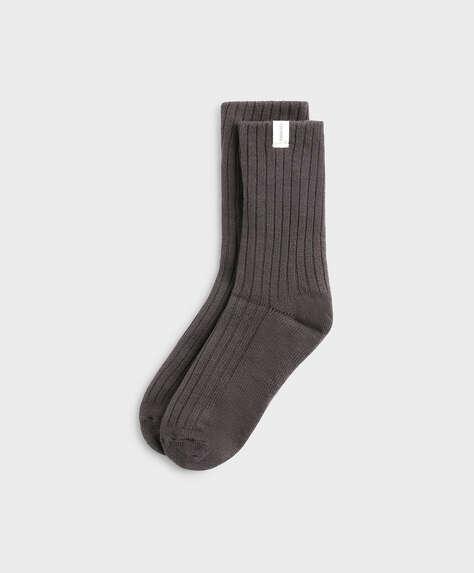 Medium thick ribbed socks
