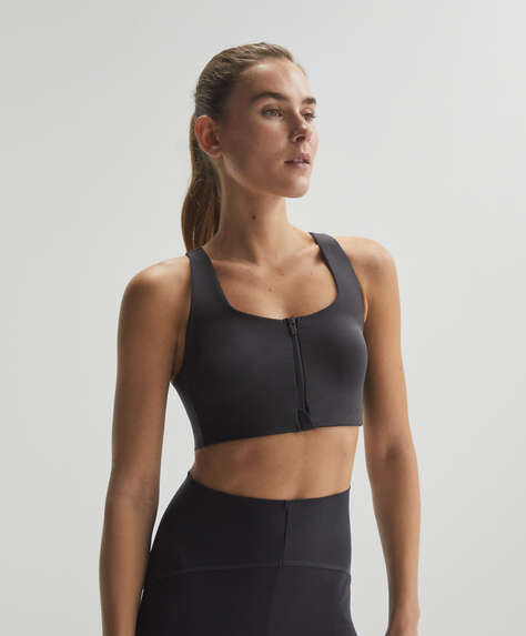 Zip-up sports bra