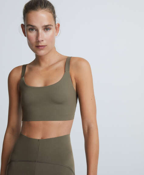 Sports bra with multiway straps
