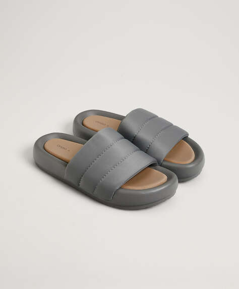 Padded flatform slippers