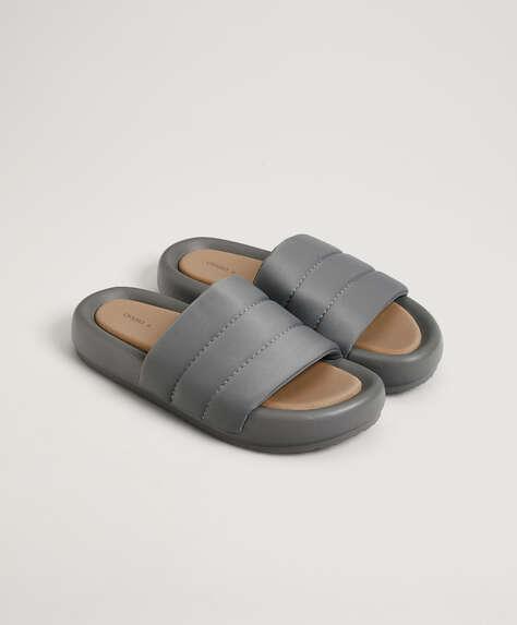 Claquettes matelassées flatform