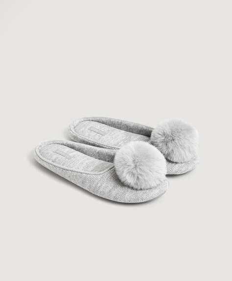 Pom pom fabric slippers