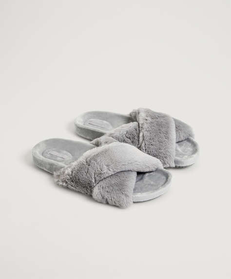 Furry slippers with crossover straps