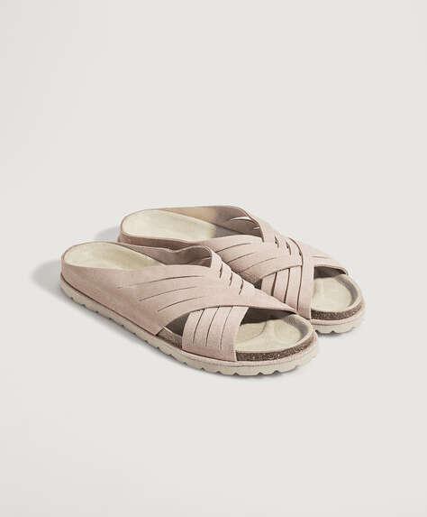 Suède sandalen met gekruist bovenwerk