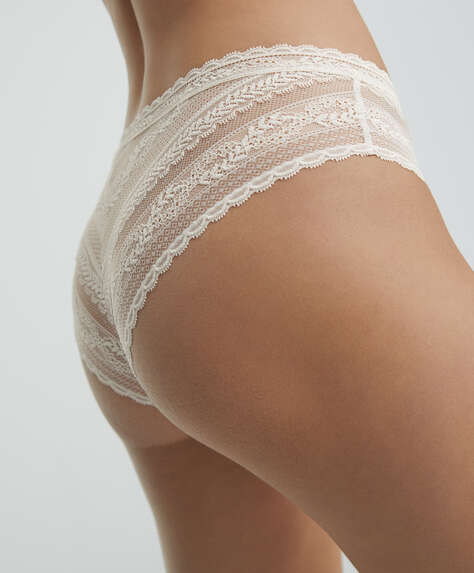 Soft lace hipster briefs