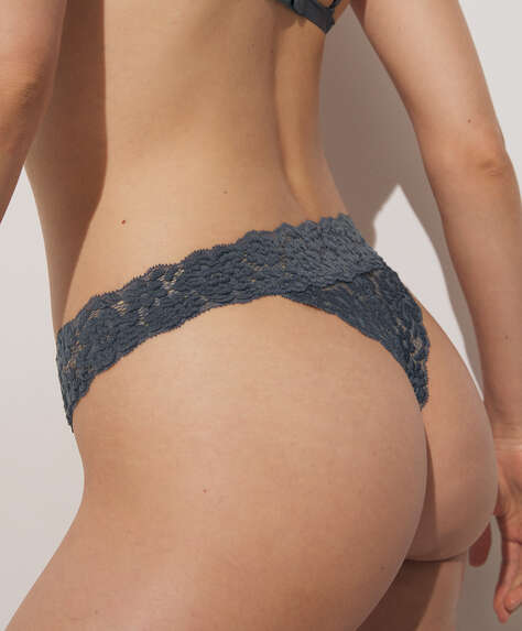 Lace v-cut front thong