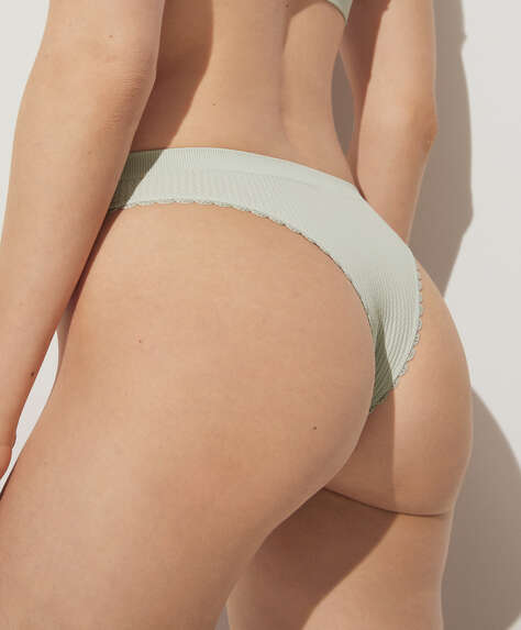 Brazilian seamless briefs