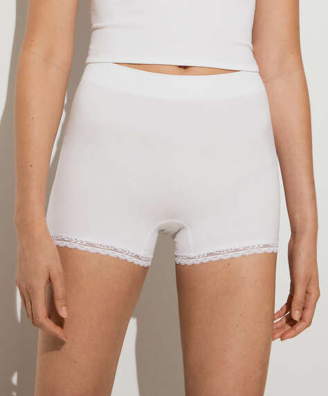 Short seamless en dentelle