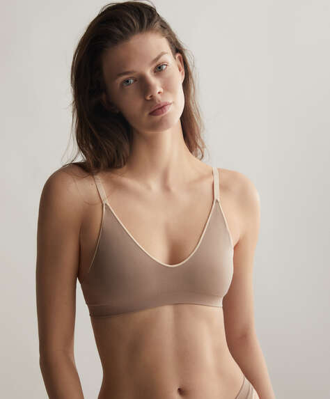 Seamless Comfort top with removable cups