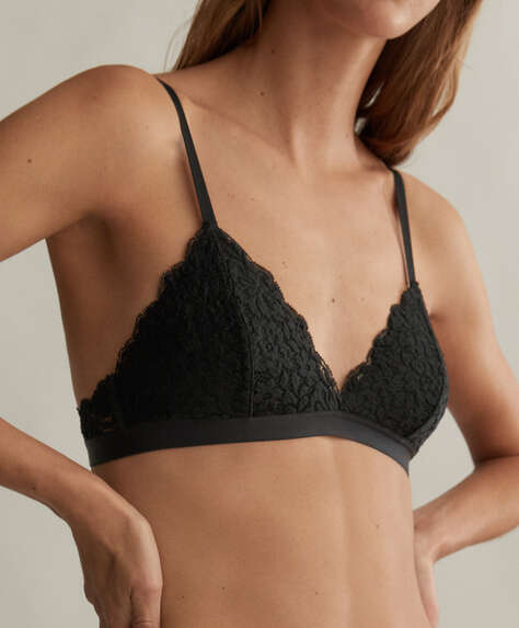 Lace triangle bra with cups