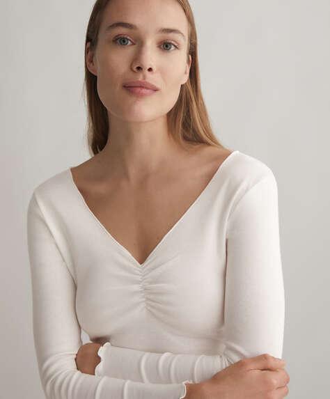 100% cotton V-neck T-shirt