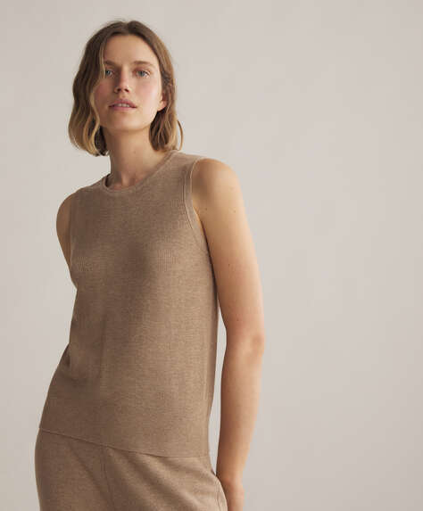 Sleeveless knitted cotton and linen jumper