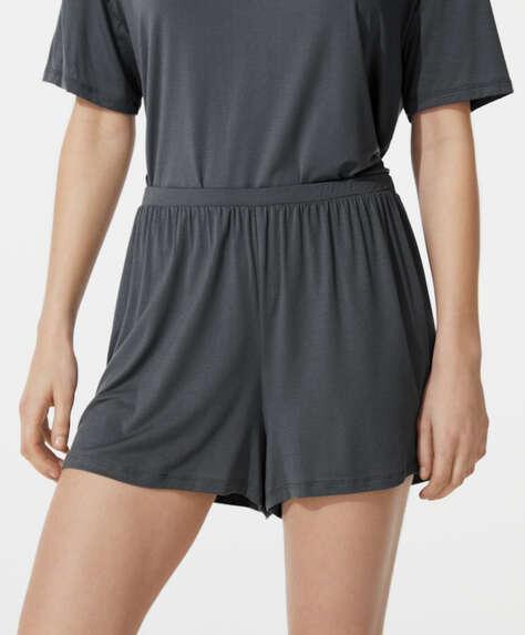 Shorts modal liso