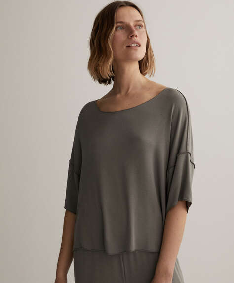 Short-sleeved viscose T-shirt
