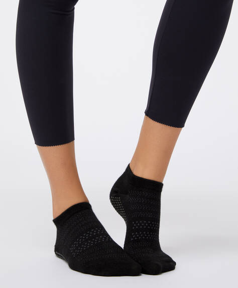 Anti-slip sports ankle socks