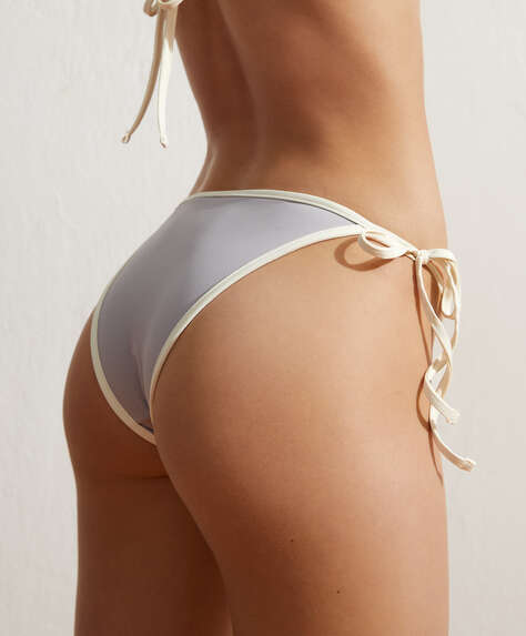 Brasiliansk bikinitrosa med kontrasterande band