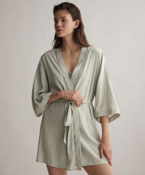 Valenciennes lace dressing gown