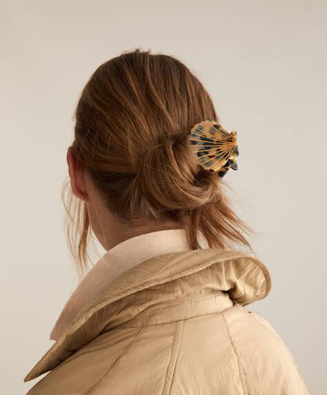 Shell tortoiseshell hair clasp