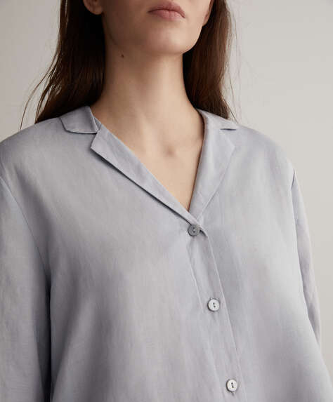 قميص أزرق كتان