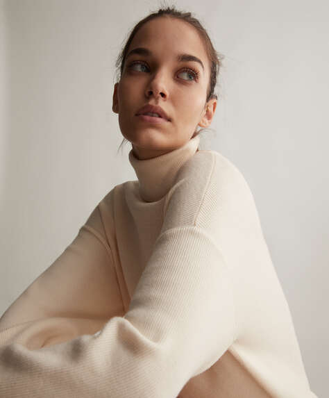 Fine-knit high-neck jumper