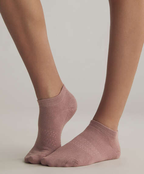 Anti-slip ankle socks