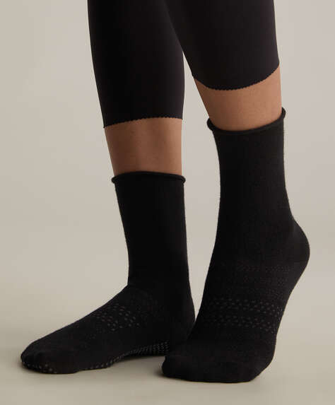 Anti-slip sports crew socks