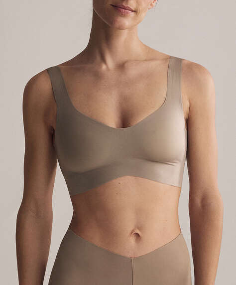 Light touch sports bra