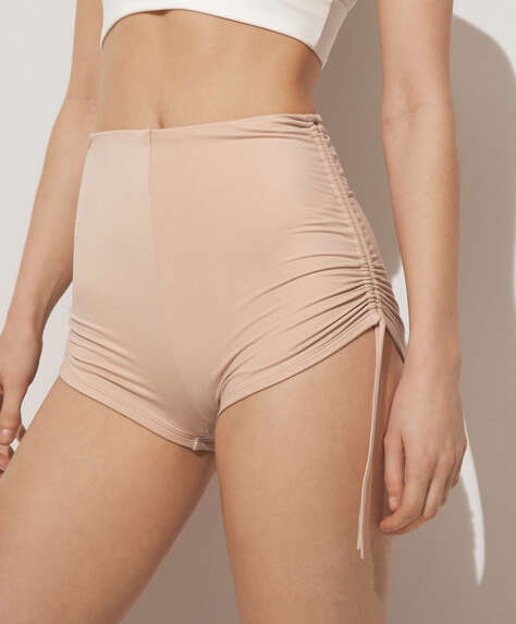 Hot pants con laccetti